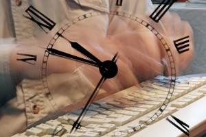 scrivere a tempo